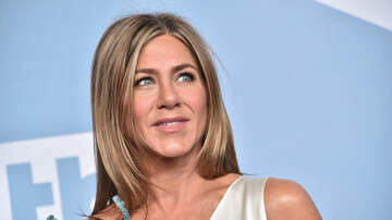 Jagger - WATCH: Jennifer Aniston scare Friends fans at Central Perk!