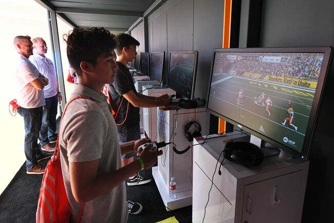fbl-us-game-video-eaplay