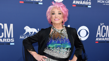 iHeartCountry - Tanya Tucker Wins First Grammy Awards 47 Years After First Nomination