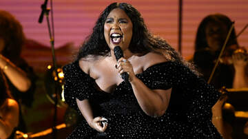 iHeartPride - Lizzo Opens 2020 Grammys With A Promise That 'Tonight Is For Kobe'