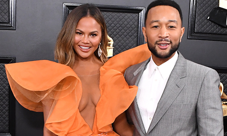Entertainment News - Chrissy Teigen Responds To Troll Saying John Legend Looked Like 'A Fool'