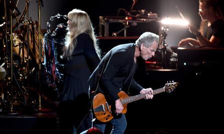 Rock News - Fleetwood Mac Says Breakup With Lindsey Buckingham Is Final