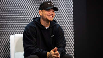 image for Kane Brown Stayed After A Show To Take Pictures With Fans Until 4 a.m.