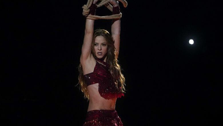 Shakira's Super Bowl 'Tongue Thing' Meme Has Turned Into A Teachable Moment