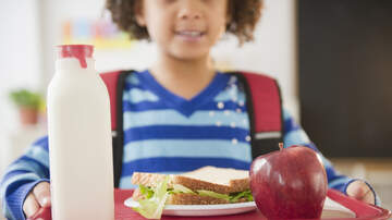 image for 8-Year-Old Pays off Entire School Lunch Debt by Selling Key Chains