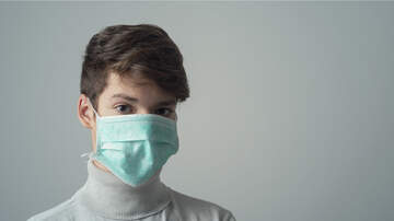 image for Americans in Wuhan show being trapped in China during Coronavirus Outbreak!