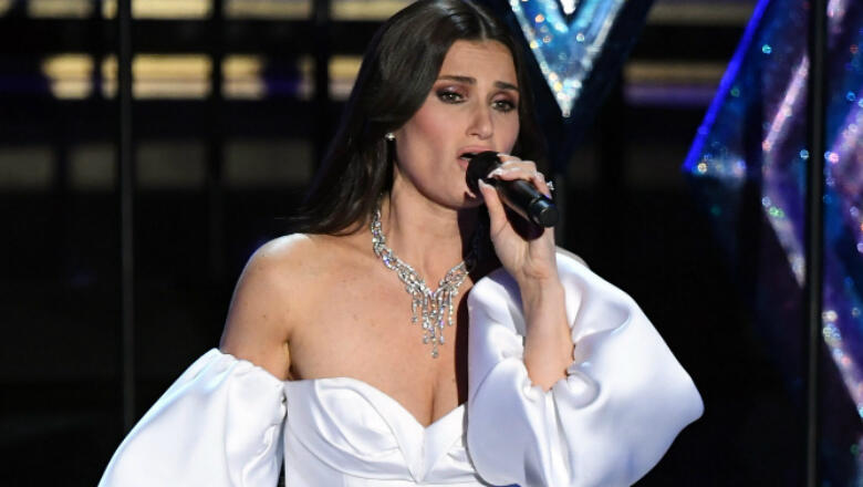 Idina Menzel Brought Elsas From Around The World For Oscars Performance
