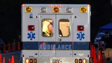 image for Camila Se Cae De Ambulancia Cuando Medicos No Cierran Bien La Puerta!