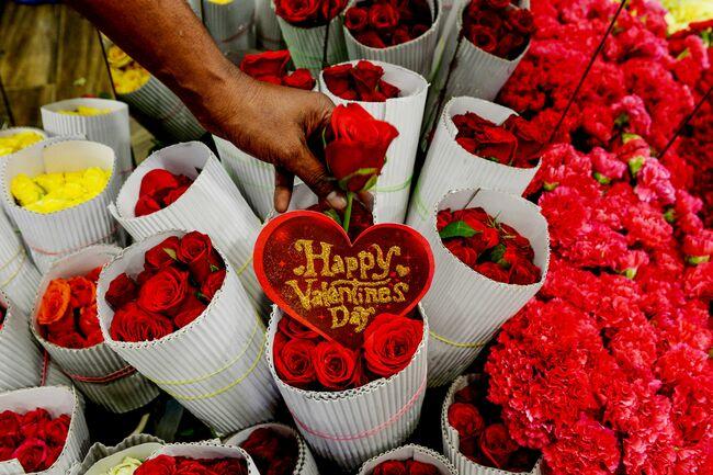 INDIA-SOCIETY-VALENTINES-DAY