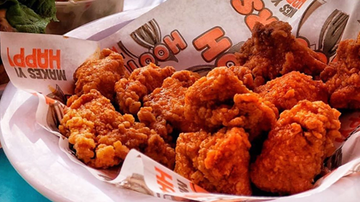 image for Bring A Photo Of Your Ex & Get Free Wings At Hooters On Valentine's Day