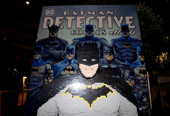 Warner Bros. And DC Celebrate Batman Day With A 5K Night Run And Ultimate Fan Experience