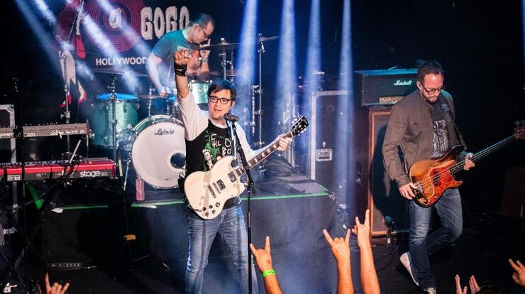 Weezer Reflects On Band's 28th Anniversary And Thanks Fans For Support | iHeartRadio
