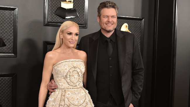 Blake Shelton Gives Gwen Stefani 'Ridiculously Beautiful' Valentine's Gift