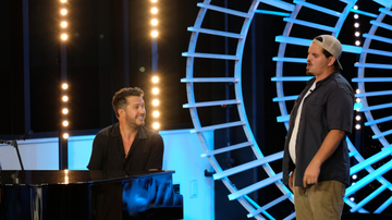 image for Alabama Garbage Man's 'American Idol' Audition Leaves Judges In Tears