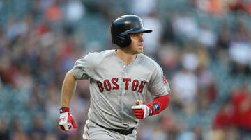 image for Brewers to sign utility player Brock Holt