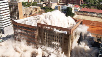 image for Implosion Fails to Completely Demolish Dallas Building