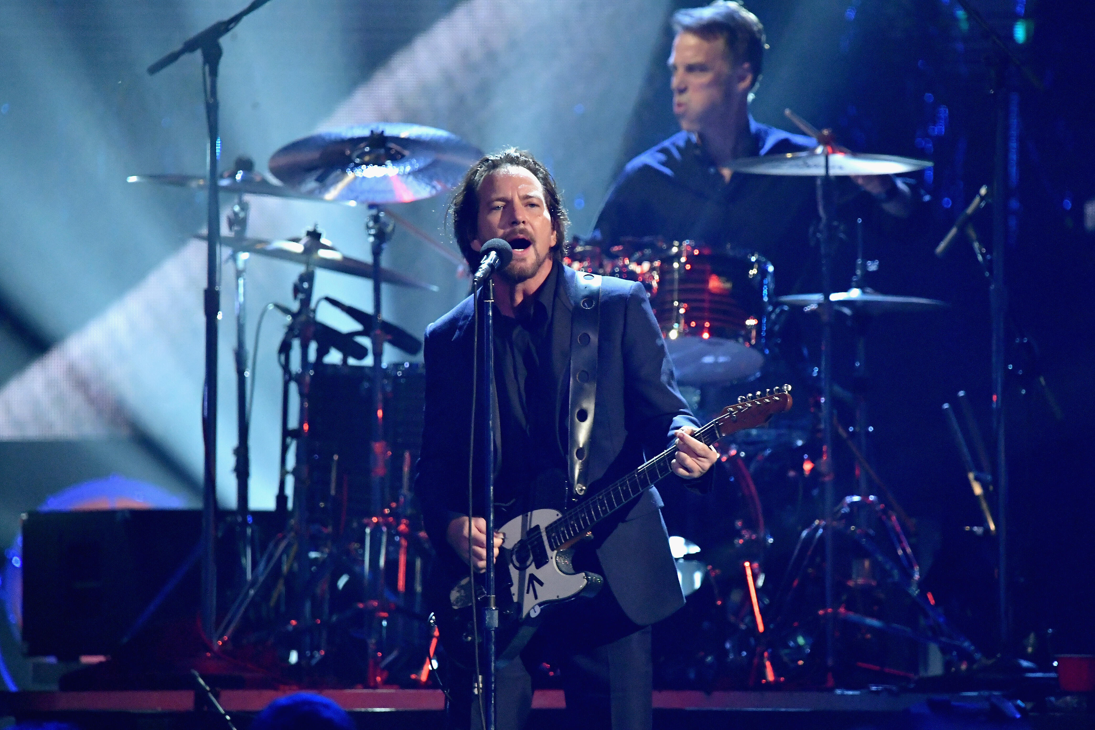 """Pearl Jam's new song """"Superblood Wolfmoon"""" is here! 