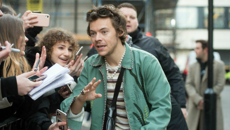 Harry Styles Reportedly 'Robbed At Knife Point' During Night Out | Z100