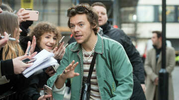 image for Harry Styles Reportedly 'Robbed At Knife Point' During Night Out
