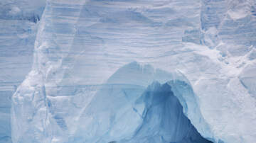 image for Here Is What Happens If You Drop Ice Down a Super Deep Hole in Antarctica
