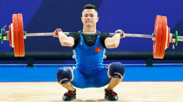 image for Guy craps his pants while lifting weights