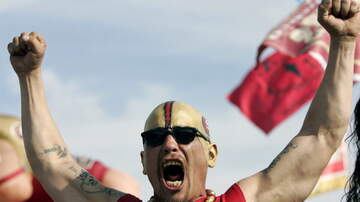 image for 49er Fan Assaults San Francisco Workers With Burrito And Napkin Dispenser
