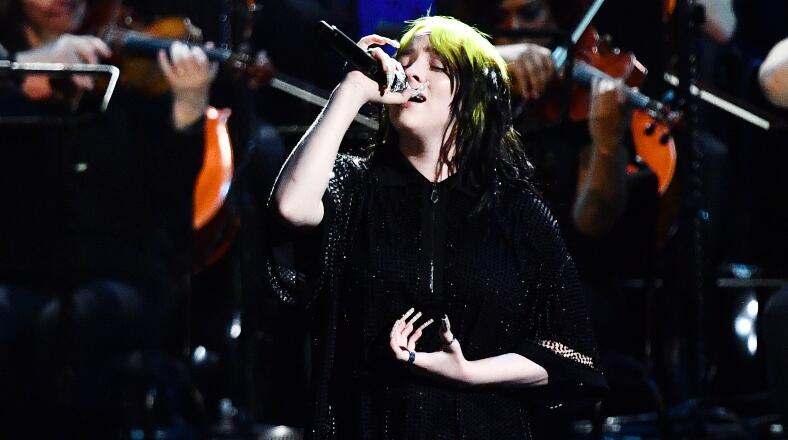 Billie Eilish Live-Debuts James Bond Theme Song 'No Time To Die' | Z100