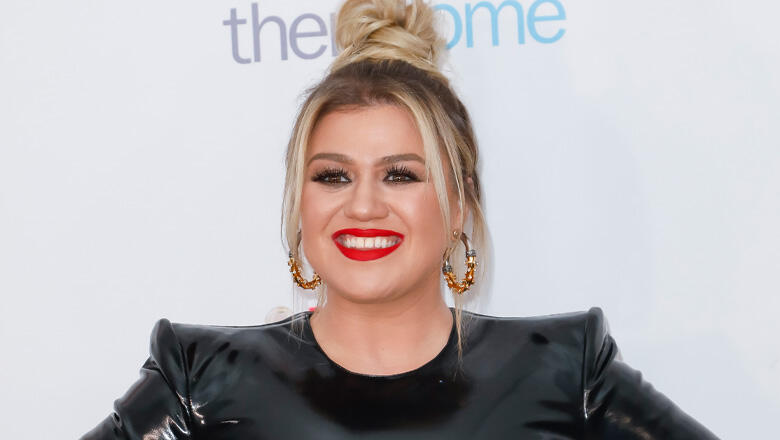 Kelly Clarkson Covers Travis Tritt With Serious Country Soul