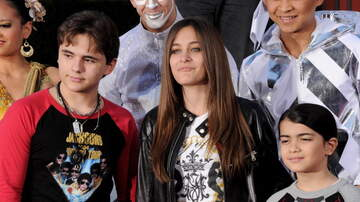 image for Michael Jackson's Kids Are Getting So Big (VIDEO)
