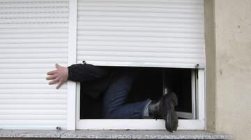 image for Padre de Taylor Swift Pelea con Ladrón que Invade su Hogar en la Florida
