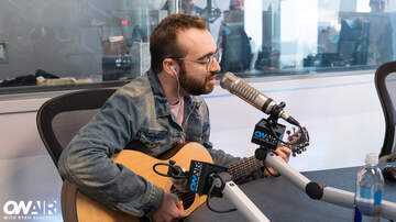 image for Meet Tep No: Ryan Seacrest's New Fave Artist Performs Live In-Studio