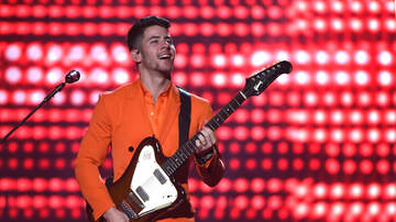 image for Nick Jonas Impresses The Audience By Going Up On Stage