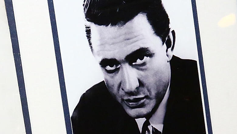 8 Hits To Celebrate Johnny Cash's 89th Birthday