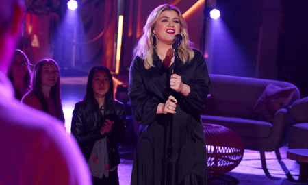 image for Kelly Clarkson Surprises Route 91 Survivors With 'Ambush Love Song'