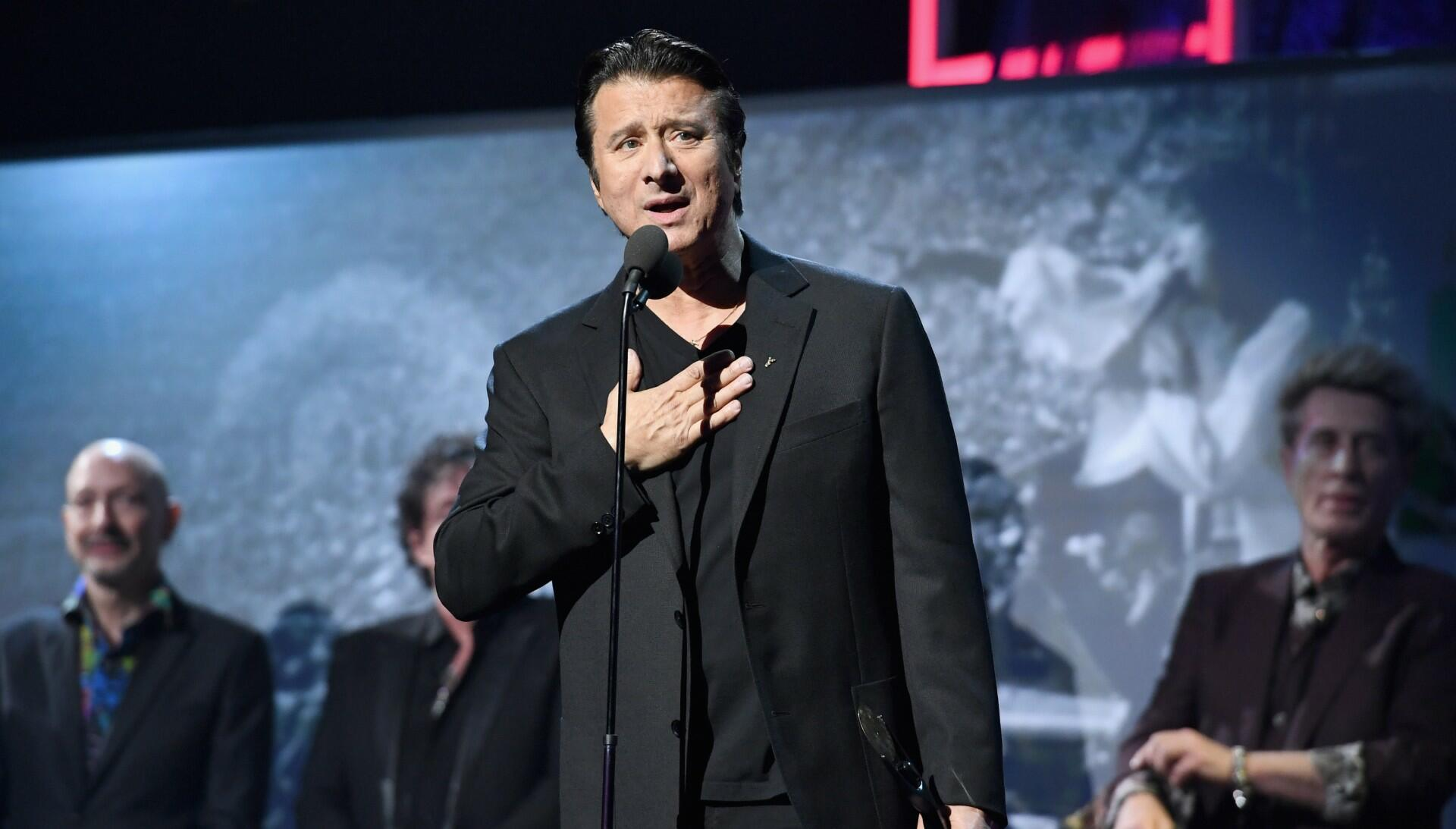 Steve Perry Sides With Ross Valory, Steve Smith In Journey Drama