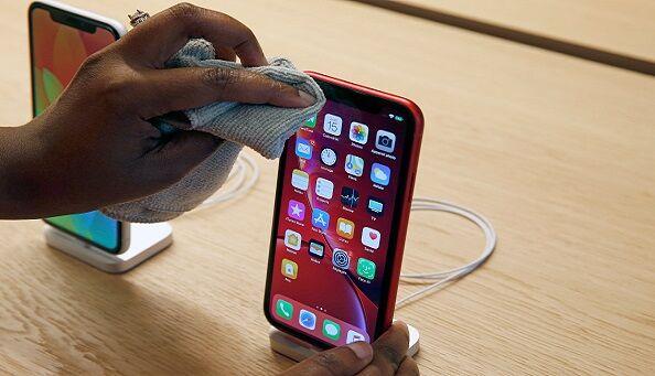 نتيجة بحث الصور عن How To Clean And Disinfect Your iPhone Properly