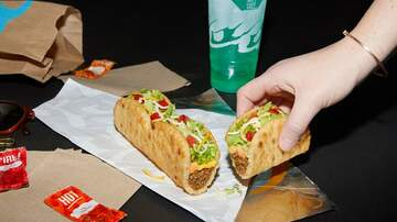 image for Food World: Taco Bell Debuts Longest Shell Ever With Triplelupa