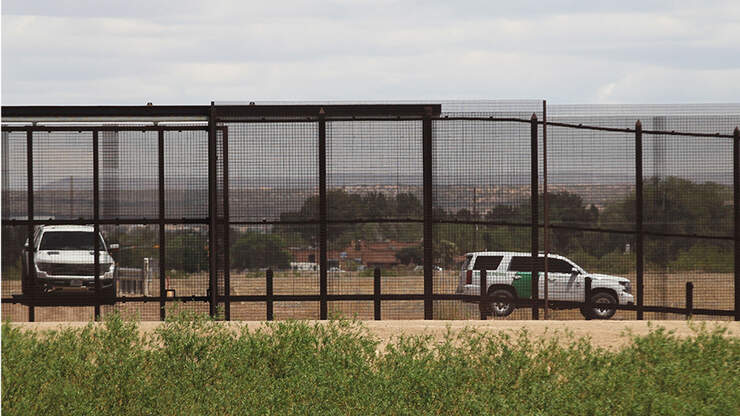 Pregnant Woman, 19, Dies After Falling From U.S. Border Wall | NewsRadio KFBK