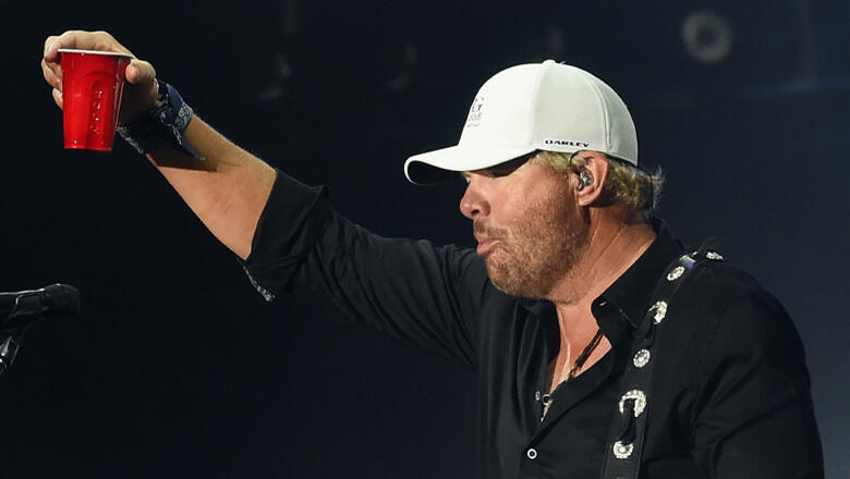 """EXCLUSIVE: Toby Keith Shares """"First Time Drinking Alcohol"""" Story"""