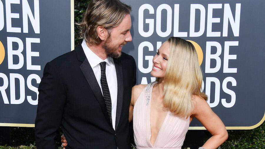 Kristen Bell & Kids Throw Dax Shepard A Dance Party While He's In Isolation