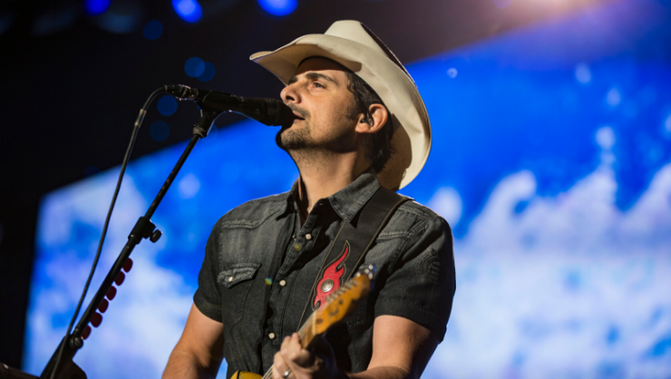 Brad Paisley Honors Kenny Rogers With Touching 'Sweet Music Man' Cover