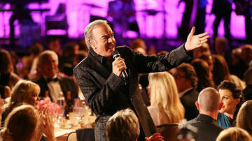 image for Neil Diamond Re-Writes Sweet Caroline For Our Current Times!