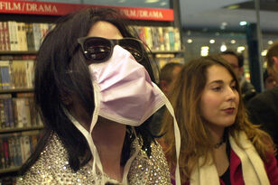 Michael Jackson 'Predicted Coronavirus & That's Why He Wore a Facemask'
