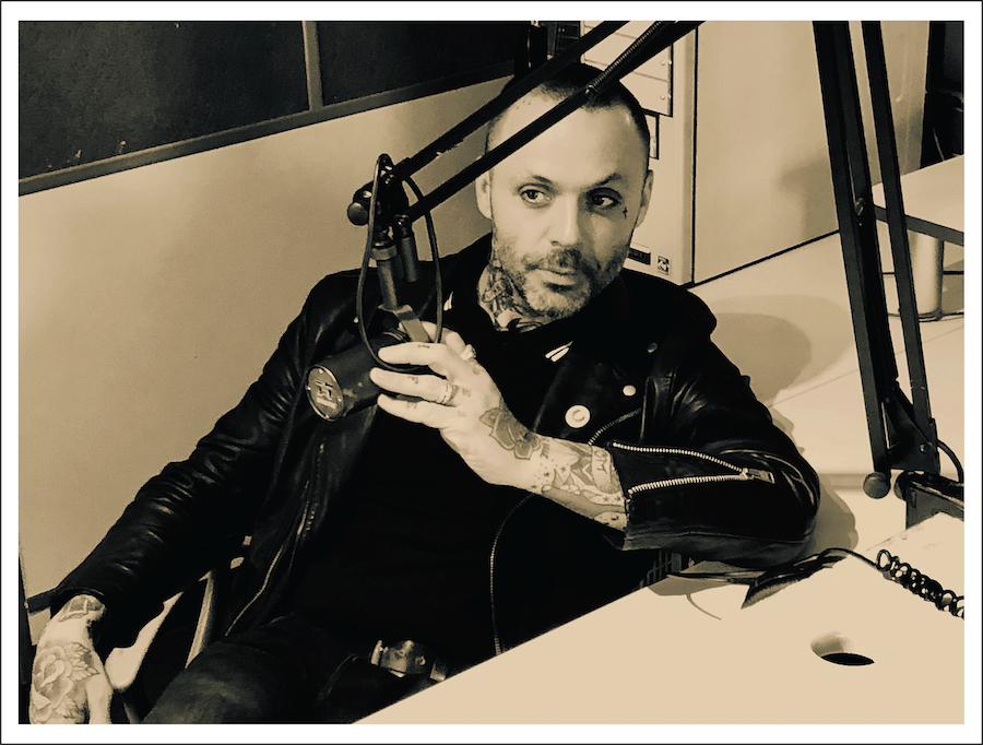 Blue October's Justin Furstenfeld Performs & Answers Fan Questions Live