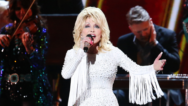 Dolly Parton Says That Coronavirus is a Lesson From God