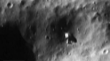 image for NASA Image Seems To Show Alien Structure On Asteroid