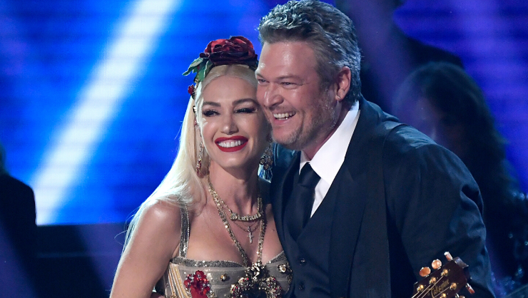 Blake Shelton And Gwen Stefani Cozy Up Outside For 'Nobody But You' Duet