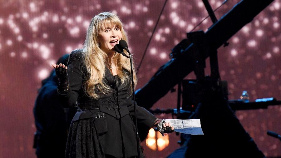 Stevie Nicks Just Heard A Dove Sing 40 Years After 'Edge Of Seventeen' | iHeartRadio