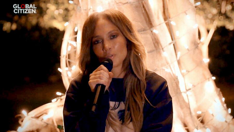 Jennifer Lopez Sings A Barbra Streisand Classic For 'One World' Concert