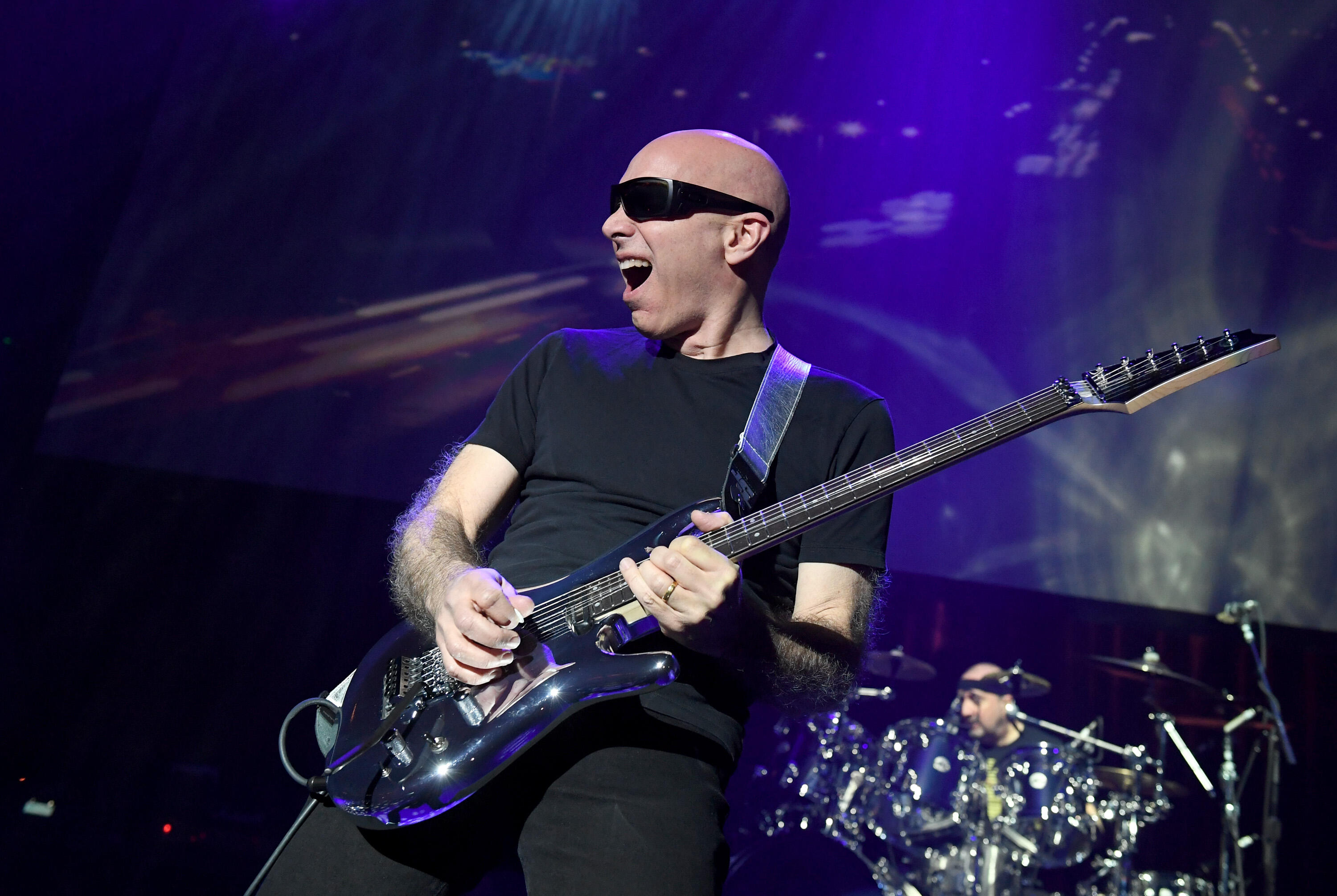 How The Ghost Of Jimi Hendrix 'Rejuvenated' Joe Satriani For His New Album